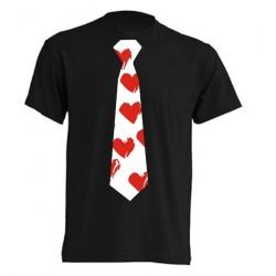 Camisetas con corbata de corazones